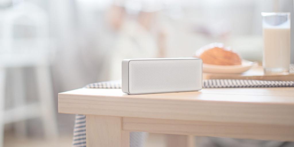 Компактная беспроводная Bluetooth колонка Xiaomi Mi Bluetooth Speaker 2 white - Компактность