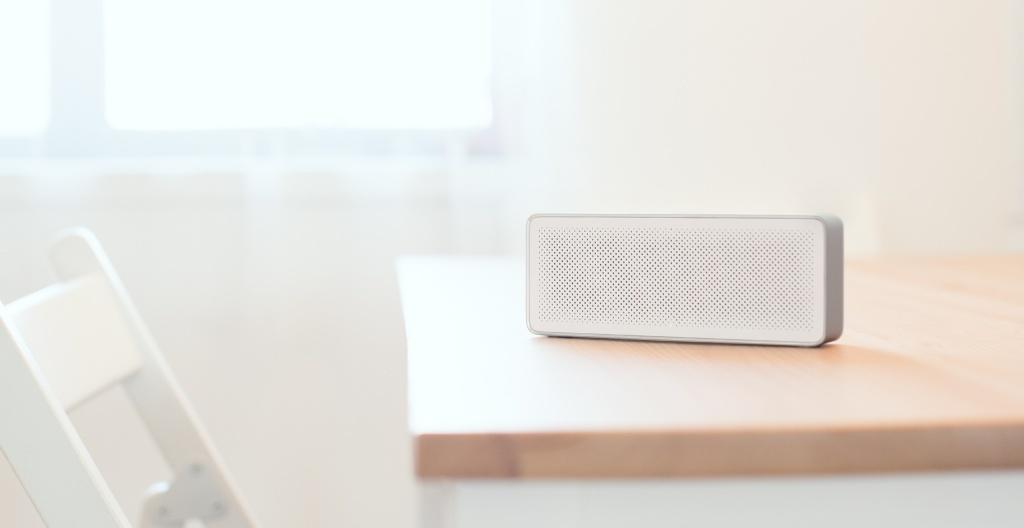 Компактная беспроводная Bluetooth колонка Xiaomi Mi Bluetooth Speaker 2 white