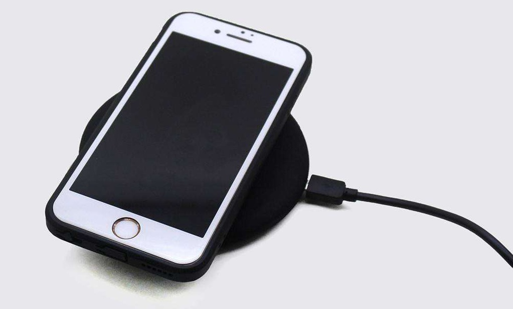 CARCAM Wireless Charging Pad Fast7.jpg
