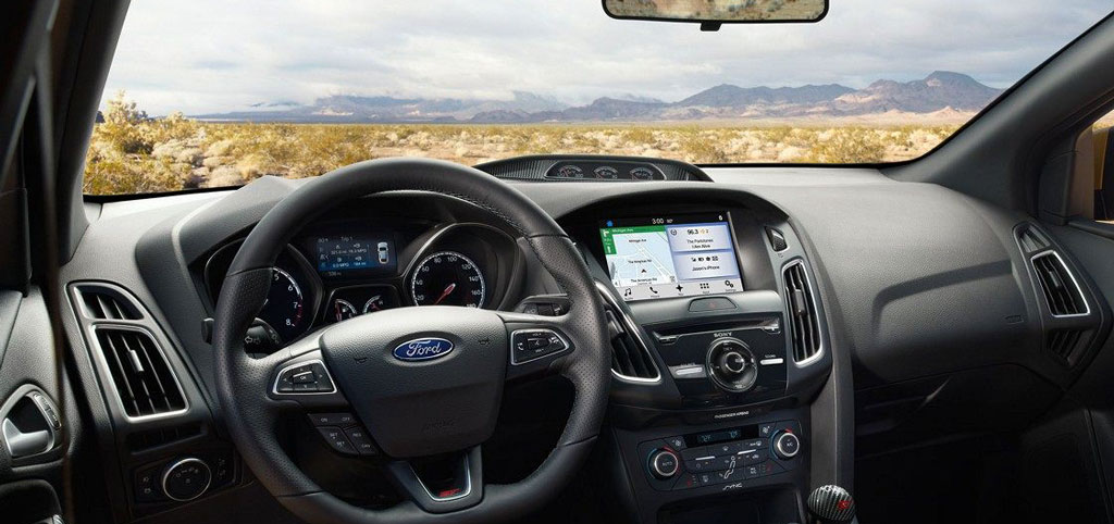 Ford Focue до установки головного устройства CARCAM