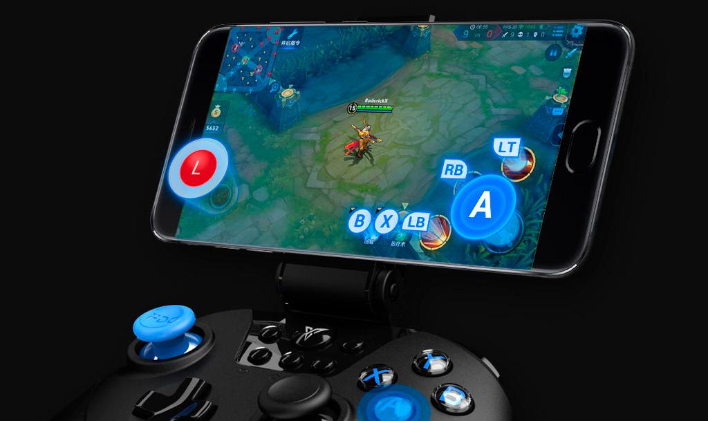Xiaomi Feat Black Knight X8pro Gamepad оснащен специальным фиксатором для смартфонов с диагональю экрана от 3.5 до 6.8 дюймов