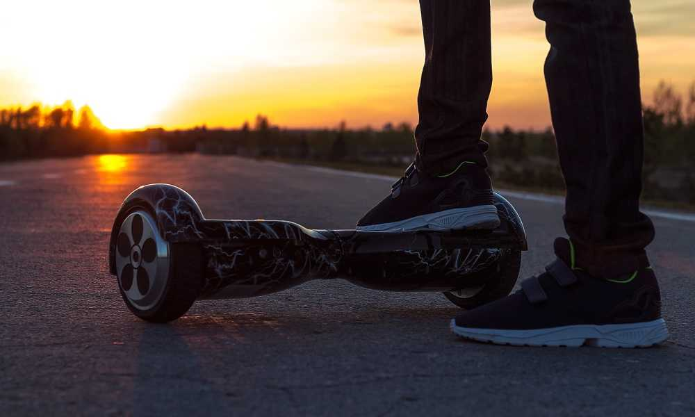 TOMOLOO-Hoverboard-with-Bluetooth-Speaker-LED-Light-Review.jpg