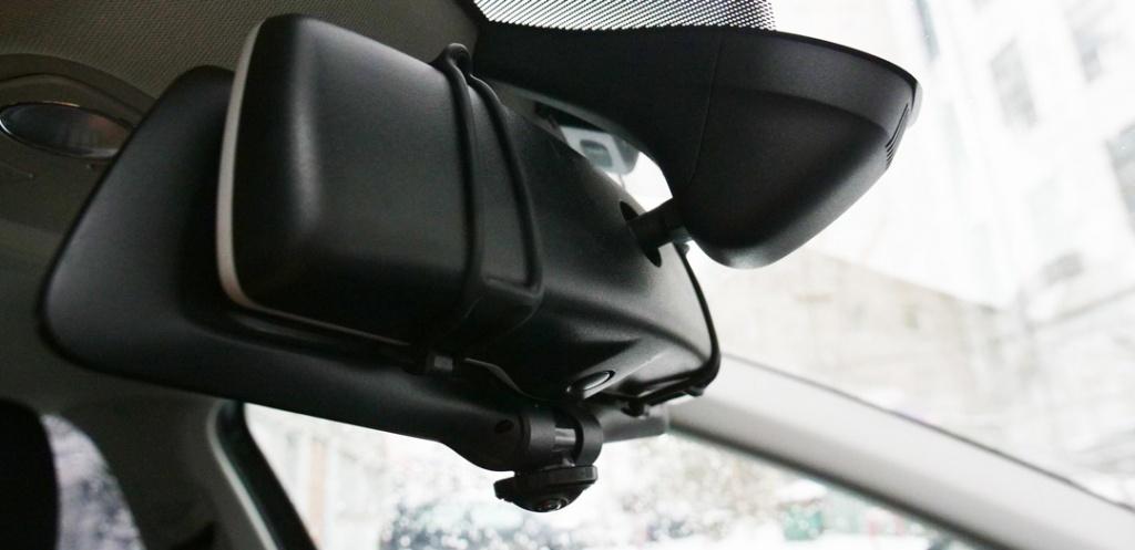Автомобильный видеорегистратор-зеркало CARCAM Z-360 - Удобное крепление